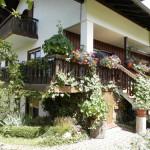 Rückseite vom Haus mit Terrasse Fewo 2.